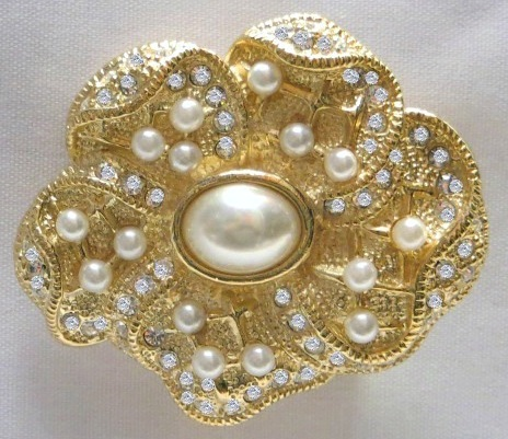 14K Gold Plated Brooch with Swarovski Crystals and Pearls
