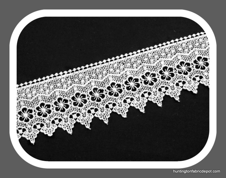 Light Ivory Scalloped Guipure Lace Trim
